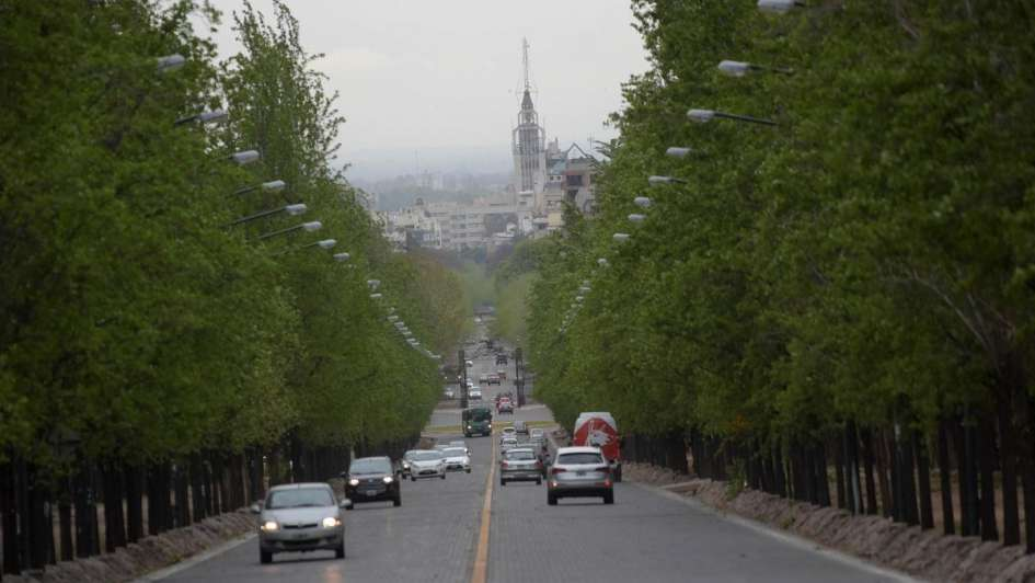 Pronóstico de hoy en Mendoza: caluroso con viento Zonda en Precordillera