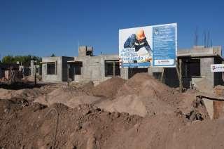 El barrio Jóvenes de Godoy Cruz tiene 65 viviendas que ya están techadas.