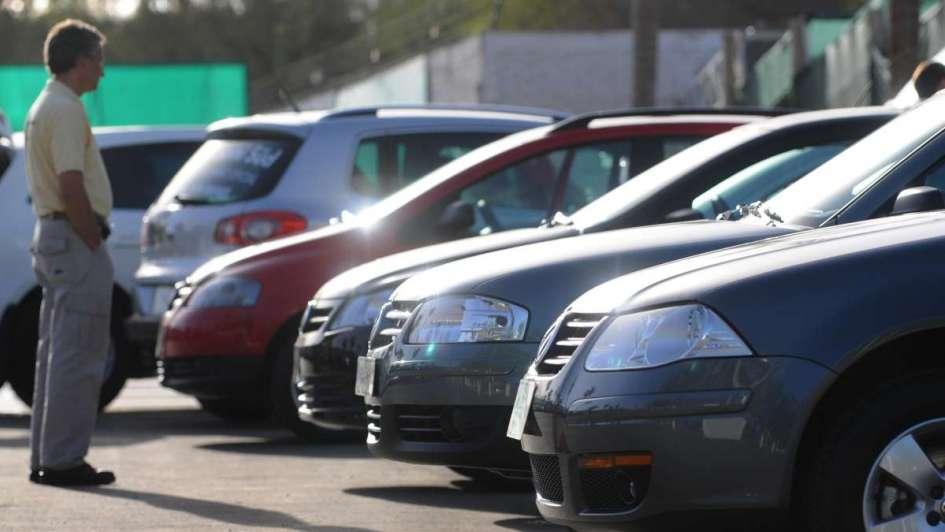 Los autos más vendidos pagarán 27% más de patente