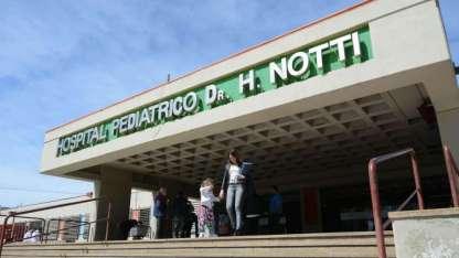 A modo de reparación deberá entregar a la Fundación de la Cooperadora del hospital Notti, 20 cajas de leche en polvo
