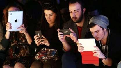 Los jóvenes utilizan términos en las redes sociales que muchos no entienden.