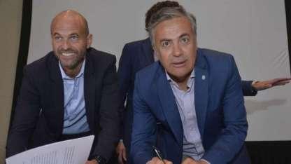 El gobernador Cornejo y el ministro Dietrich firman el convenio para la SUBE.
