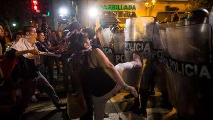 Incidentes en medio de la manifestación. / AP