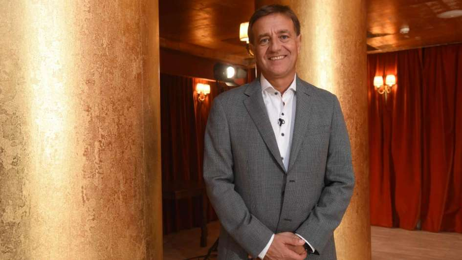 """Rodolfo Suárez sobre el Teatro Mendoza: """"Abrir un teatro no deja de ser esperanzador"""""""