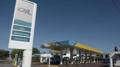 Las estaciones de servicio de Oil, en riesgo de desaparecer tras la quiebra de la empresa.