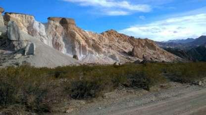 El cerro Siete Colores se encuentra a unos pocos kilómetros de la villa de Uspallata.