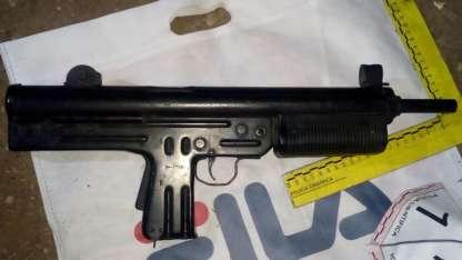 El arma arrojada por los sospechosos en Tupungato.