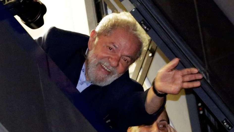 Lula es trasladado a Curitiba, donde cumplirá injusta condena