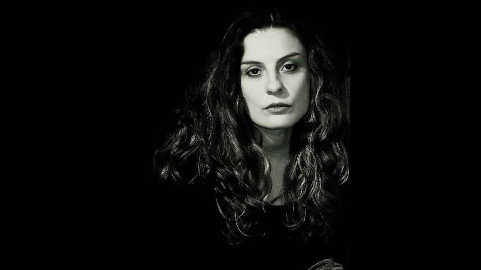 """Mariela Laudecina: """"Vivo la poesía como una especie de inquietud"""""""