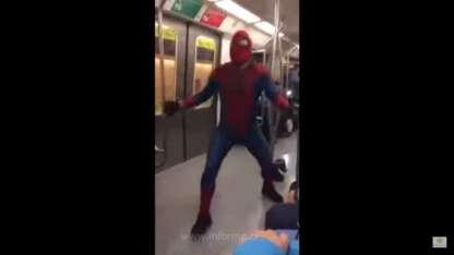 """El """"Spiderman"""" chileno que causa furor en las redes"""
