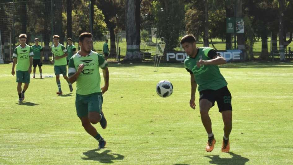 Banfield goleó y complicó mucho a Olimpo