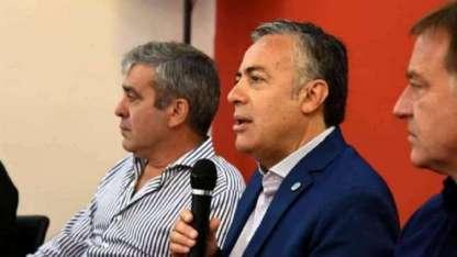 José Cano (diputado nacional) Alfredo Cornejo (titular de la UCR) y Rodolfo Suárez.