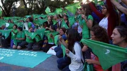 El pañuelazo en la plaza Independencia del 20 de marzo