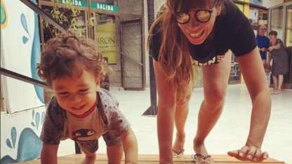 Ximena Capristo y su hijo