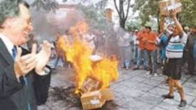 Resultado de imagen para luis barrionuevo quema de urnas