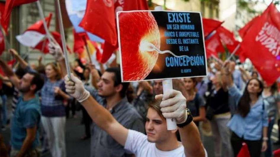 Resultado de imagen para Argentina grupos pro vida en las afueras del congreso durante el debate en diputados