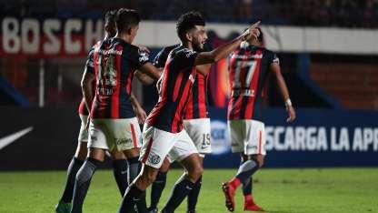 Gudiño festeja el único gol del partido.
