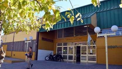 directivos de la escuela Ignacio Molina solicitaron la presencia policial y 21 alumnos terminaron demorados.