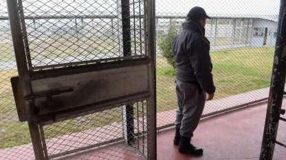 El reo fue hallado sin vida en el penal Almafuerte.