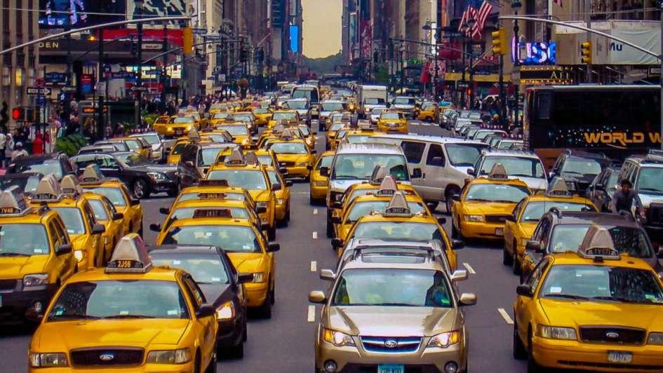 Tránsito y vacaciones en el exterior: cuidado con los embotellamientos