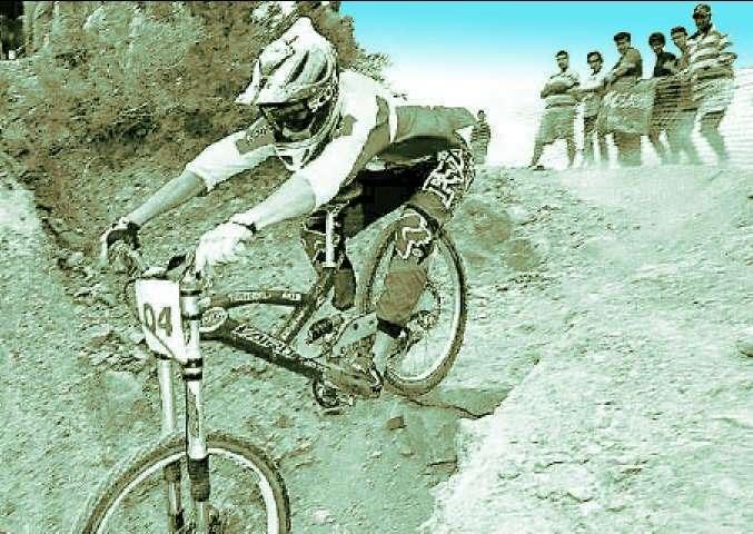 Un día como hoy de 2001: Fernando Oriozabala, el bicivolador