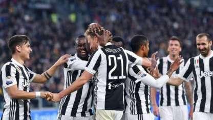 Dybala festeja el gol de Howedes para la Vecchia Signora.