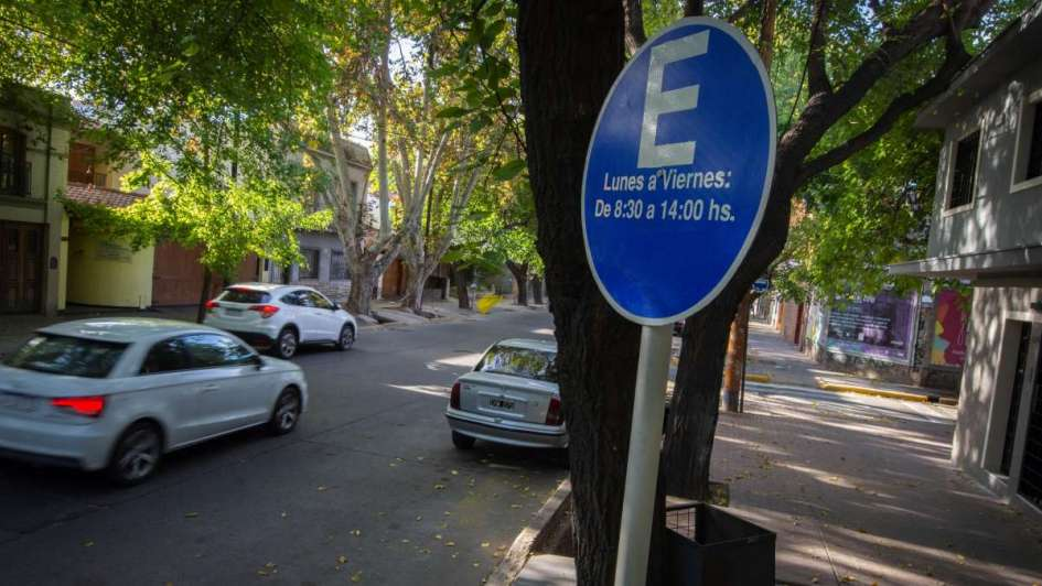 Desde hoy habrá que pagar para estacionar en el barrio Bombal