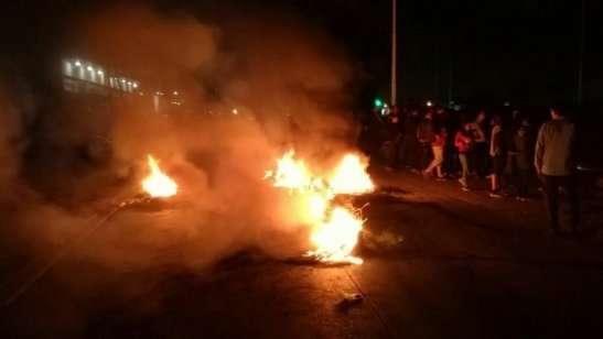 Caos vehicular en Buenos Aires porque colectiveros cortaronla avenida General Paz