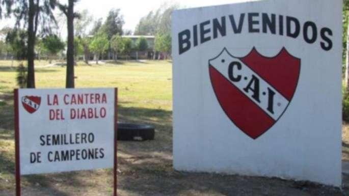 Un alto dirigente de AFA figuraba en la agenda de un chico abusado en Independiente