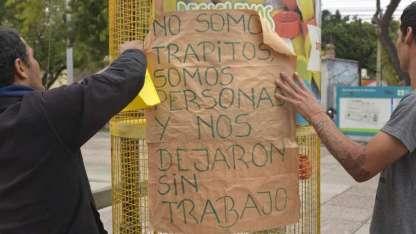 Ayer, los cuidacoches se quejaron porque el municipio los ha dejado sin su única fuente de ingresos.