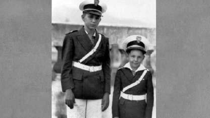 Fidel y Raúl. Tenían cinco hermanos más