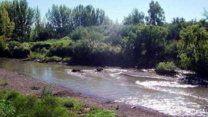 Mendoza necesita el agua para riego. La Pampa reclama más caudal.