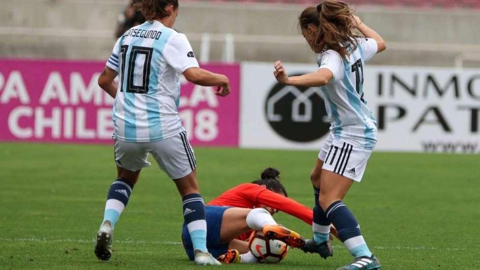 La Selección femenina perdió pero entró al repechaje del Mundial