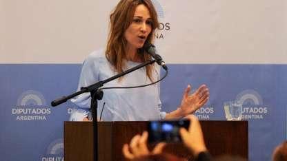 Lozano defendió su postura a favor de la legalización del aborto en el Congreso.