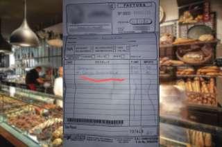 La factura con