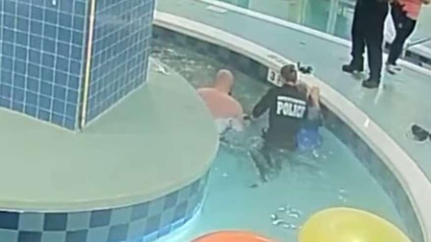 ¡Impresionante rescate! Tubería de piscina succiona a un niño