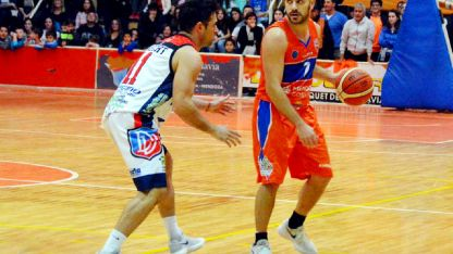 El base cordobés de Rivadavia, Fede Grenni, aportó 9 puntos.