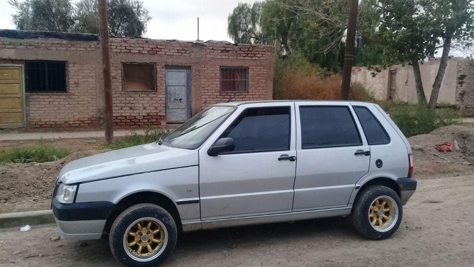Dejó su auto en un lavadero y se lo robaron — Godoy Cruz