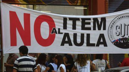 Los sindicatos docentes respaldaron su consigna en cada manifestación / Archivo Los Andes