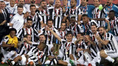 Juventus logró su cuarta corona seguida y no tiene rivales en Italia. El domingo puede coronar otro gran año.
