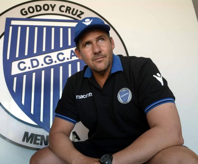 Godoy Cruz busca ante Tigre, coronar una campaña histórica
