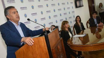 El gobernador Cornejo anunció ayer los cambios en la segunda línea del Ministerio de Salud, Desarrollo Social y Deportes.