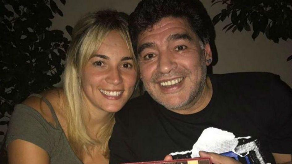 Rocío Oliva mandó al frente a Maradona con esta foto íntima