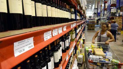 El volumen total que vende hoy la industria de vinos argentinos es un 75% del que vendía una década atrás.