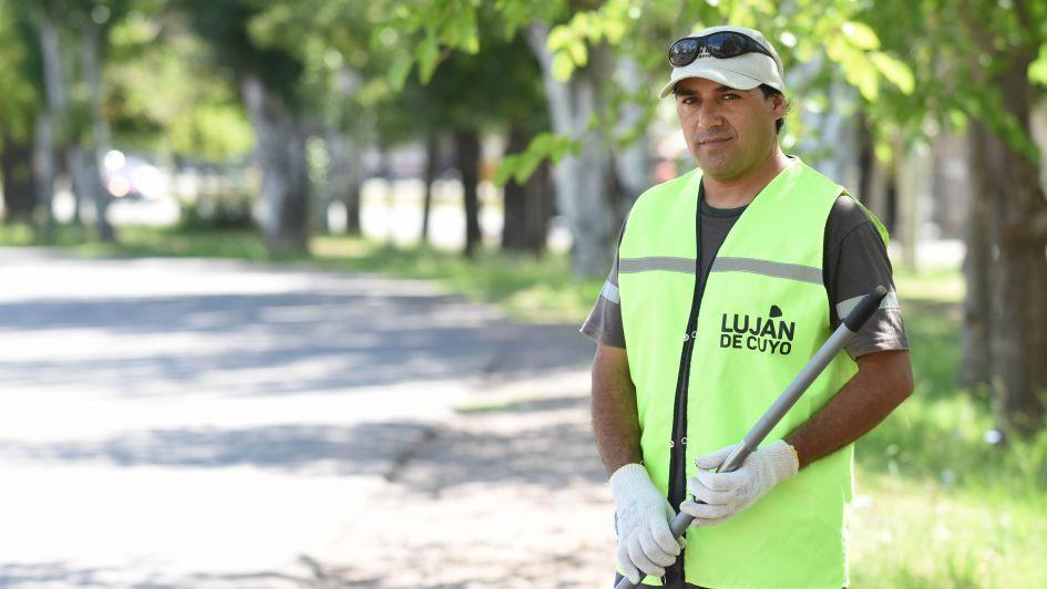 Troceros de Luján: entre la limpieza de las calles y la buena onda con los vecinos