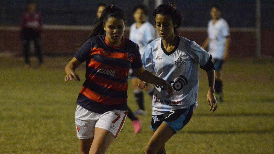 Fútbol femenino: Talleres y Las Pumas siguen por la senda de triunfos