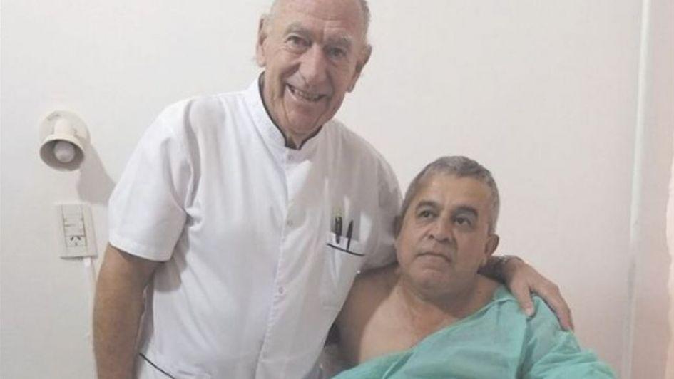 Médico argentino se niega a cobrarle operación a bombero