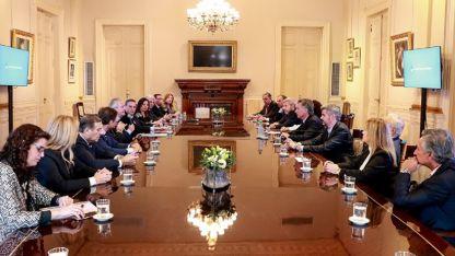 Jefes de bloques del Senado firmaron un documento para acompañar las negociaciones del Gobierno nacional con el FMI.