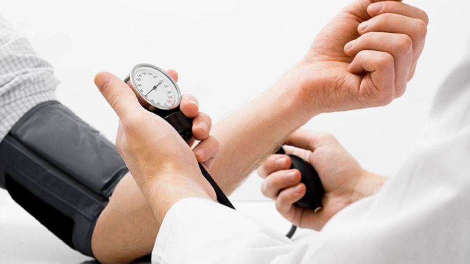 """Hipertensión: expertos recomiendan """"conocer tus números"""