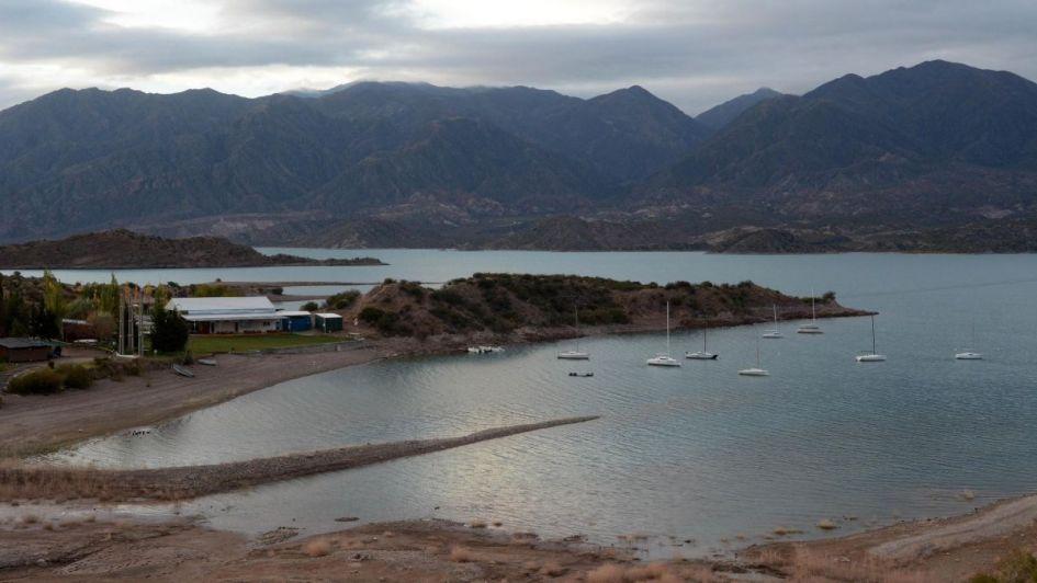 Perilago de Potrerillos: el Gobierno asegura que el acceso al dique será público